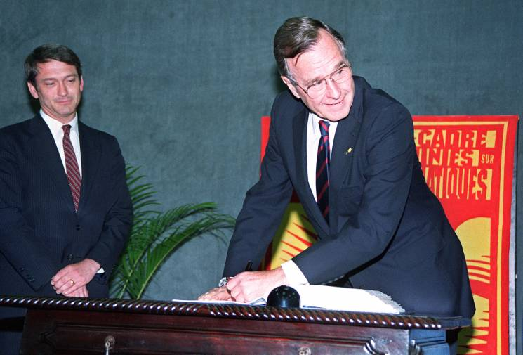 President Bush signs an agreement